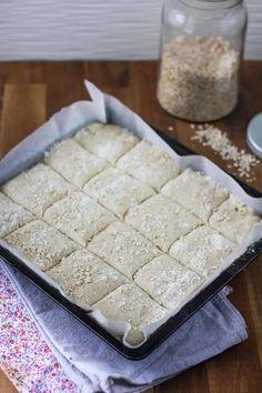 Herkullinen peltileipä on hyvä ratkaisu, kun leipää tarvitaan kerralla isompi satsi. Food, Essen, Meals, Yemek, Eten