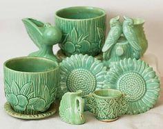 Vintage Green Mccoy Pottery ....