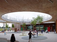 Lucie Aubrac Educational Complex in France by Laurens&Loustau Architectes | Circles + internal courtyard School Building, Roof Design, Elementary Schools, Primary School, School Fun, School Projects, Education Architecture, Interior Architecture, Patios