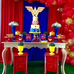 Decoração Mulher Maravilha II - LOCAÇÃO Wonder Woman Birthday, Wonder Woman Party, Girl Birthday, 5th Birthday Party Ideas, Birthday Party Decorations, Birthday Parties, Avengers Birthday, Its My Bday, Balloon Bouquet