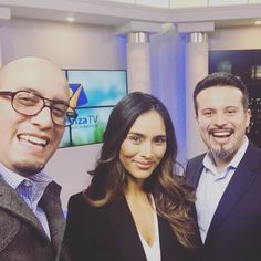 #Selfie with our friends @adriana_villarreal_ and @elden_ramirez while we are shouting an interview for @hope.channel in #Maryland . #tvseries #hoyenfamilia #vislumbres #tvshow #tvproduction #studio #studiolife #set #femalemodel #photographer #filmmaker #producer #editor #moments #life #twitter #explore #tvproducer #tv #christianproductions #sda