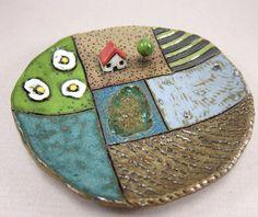 Daisy Cottage...Keepsake Dish in Stoneware by elukka on Etsy