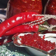 Reteta Dulceata de ardei iuti Winter Is Comming, Health Snacks, Canning Recipes, Dental Health, Sustainable Design, Interior Design Living Room, Preserves, Pickles, Design Trends