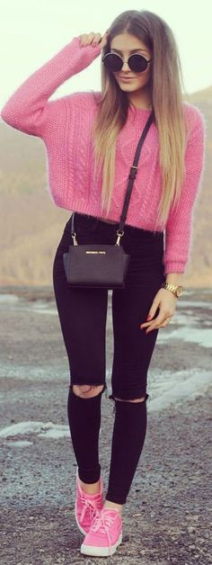 Rounded Shades, Hot Pink Crop Cable Knit Swetaer, Ripped Black Jeans, Pink Sneakers || PINK & BLACK || STYLEEV #rounded