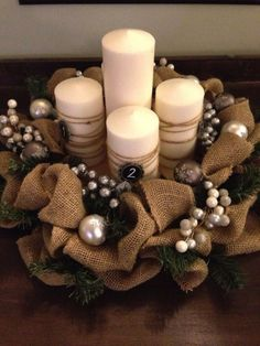 57 Classy Christmas Table Decorations and Settings That Look Incredibly BeautifulMake your Christmas celebration worth remembering this year for your guests with the upbeat Christmas table decorations and setting ideas given inšpirácií na Classy Christmas, Rustic Christmas, Christmas Holidays, Christmas Wreaths, Advent Wreaths, Beautiful Christmas, Christmas Table Decorations, Christmas Candles, Art Floral Noel
