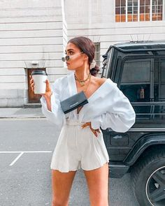 💙 TRENDBLOG 💙 - is the worlds first fashion network where everyone can equally participate in creating future fashion trends. Rate others Street Style Outfits, Looks Street Style, Looks Style, My Style, Spring Outfits, Trendy Outfits, Cute Outfits, Fashion Outfits, Womens Fashion
