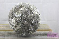#broochbouquet #bouquet #sparkle #silver #bling #love #brooch #alternative #wedding #bride www.nicsbuttonbuds.com.au www.facebook.com/nicsbuttonbuds www.pinterest.com/nicsbuttonbuds www.instagram.com/nicsbuttonbuds www.twitter.com/nicsbuttonbuds