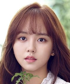 Kim So Hyun (김소현); Kim So Hyun is a South Korean actress who began her career as a child actress in 2006 and initially gained public attention Asian Actors, Korean Actresses, Korean Actors, Child Actresses, Actors & Actresses, Korean Celebrities, Celebs, Hyun Kim, Kim Sohyun