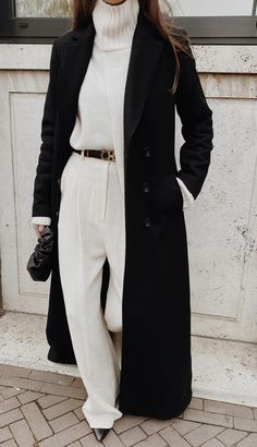 3 CHIC Street Style Outfits To Copy This Winter - Mode outfits - Hybrid Elektronike Street Style Outfits, Looks Street Style, Looks Style, Street Style Clothing, Classy Street Style, Chic Clothing, Style Clothes, Street Chic, Fall Winter Outfits