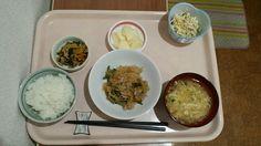6月15日。韓国風春雨の炒め物、菜焼き、おからサラダ、かき玉汁、リンゴでした!ごま油がきいてて韓国風春雨の炒め物が特に美味しかったです!619カロリーでした♪