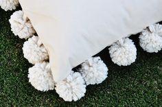 Tutorial: Mondo Pom Trim Pillow