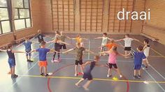 Speed Training For Youth Music Education Games, Physical Education Activities, Youth Games, Gym Games, Youth Activities, Sport Snacks, Pe Lesson Plans, Primary Games, Crossfit Kids