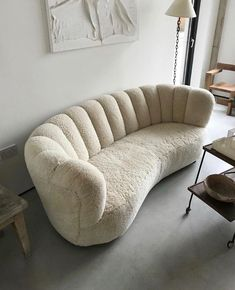 Simple Home Decor glam home accents.Simple Home Decor glam home accents Sofa Design, Furniture Design, Cozy Furniture, Decoration Bedroom, Home And Deco, My New Room, House Rooms, Home Decor Inspiration, Decor Ideas