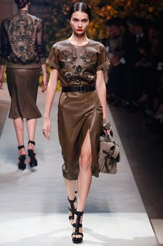 Loewe Spring 2013 Ready-to-Wear Collection Photos - Vogue