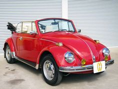 1970 1.3L Red VW Cabriolet - Here is a 1970 VW Beetle Cabriolet 1.3L for sale by Goo Auto, Inc., Japan.  The car is located in Saitama, Japan.  The price is aksing for: $18,400.00 USD