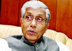 त्रिपुरा के मुख्यमंत्री माणिक सरकार देश के सबसे गरीब मुख्यमंत्री हैं। माणिक अपनी पार्टी की नीति का पालन करते हुए अपना वेतन और भत्ते अपनी पार्टी माकपा को दे देते हैं। पार्टी परिवार चलाने के लिए प्रतिमाह उन्हें 5,000 रूपए निर्वाह भत्ता के रूप में देती है। वर्ष 2008 में माणिक के पास की नकदी और बैंक खाते की राशि मिलाकर कुल 16,120 रूपए थे। हाल ही में निर्वाचन अधिकारी के समक्ष उन्होंने जो हलफनामा दाखिल किया है,उसके मुताबिक उनकी आमदनी बढ़ी नहीं,बल्कि घट गई है। मुख्यमंत्री के पास कुल 10,800 रूपए…