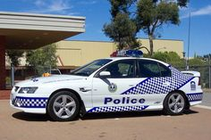 Australian Police Cars > Gallery > South Australia Police > Image: 0504-ms_vzss_02