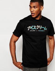 T-Shirt von ICECREAM weiches Jersey Rundhalsausschnitt markentypisches Druckmuster reguläre Passform - entspricht den Größenangaben Maschinenwäsche 100% Baumwolle Model trägt Größe M und ist 188 cm/6 Fuß 2 Zoll groß