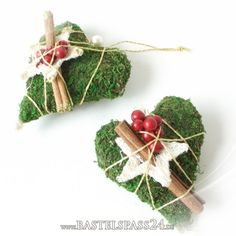 Previous Next Decorated for Advent and Christmas moss hearts with star cinnamon and berries.png 800 × 800 pixels Source by Valentine's day crafts Previous Next Diy Christmas Garland, Diy Garland, Noel Christmas, Rustic Christmas, Vintage Christmas, Christmas Crafts, Christmas Decorations, Xmas, Advent Wreath