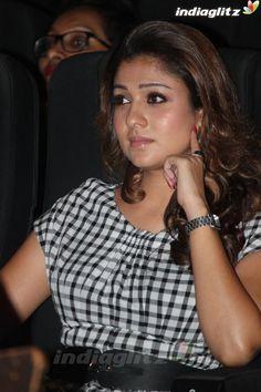 Nayanthara Hindi Actress, Malayalam Actress, Tamil Actress Photos, Bollywood Actress, Bollywood Cinema, Bollywood Photos, Nayanthara Hairstyle, Bollywood Movie Reviews, Niti Taylor