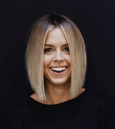 27 Angled Bob Hairstyles Trending Right Right Now for 2019 - Style My Hairs Cute Hairstyles For Medium Hair, Stacked Bob Hairstyles, Down Hairstyles, Medium Hair Styles, Curly Hair Styles, Pretty Hairstyles, Everyday Hairstyles, Pelo Guay, Asymmetrical Bob Haircuts