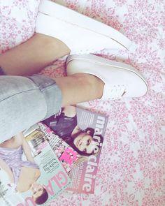 *tentando fazer foto blogueirinha* Bom dia, lindezas! O dia começa com muito trabalho do lado daqui💙 Feliz segunda! 💜#bomdia #blogueira #magazine #goodmorning #fashion #fashionph #monday #fashionpost #photooftheday #tenis #tendencia #women #moda #fashionphotographer