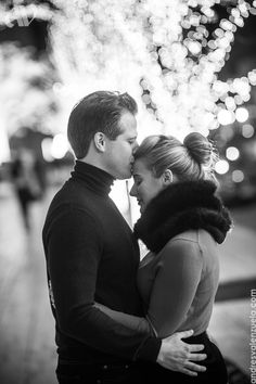winter in new york is so romantic and makes for the perfect setting for an engagement session.   check out more of this love-filled winter e-session: http://www.andresvalenzuelablog.com/2013/01/22/lauren-olivier-engaged-new-york-ny/