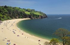 Blackpool Sands, Devon is set in a sheltered bay surrounded by pines, is an award-winning privately managed family beach three miles west of Dartmouth. British Beaches, Uk Beaches, Devon Life, Visit Devon, Devon And Cornwall, Dartmoor, Staycation, Vacation Destinations, Beautiful Beaches