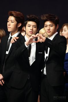Woohyun 우현 and L엘 from INFINITE 인피니트