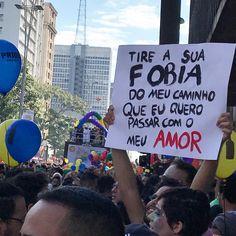 18 cartazes que brilharam na Parada do Orgulho LGBT