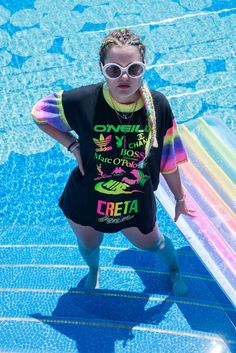 Vintage neon gangster look by Dogdays of Summer Round Sunglasses, Neon, Summer, Shopping, Vintage, Fashion, Moda, Summer Time, Round Frame Sunglasses