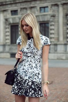 Love this Lover dress, as seen on Tuula Street Chic, Street Style, Lover Dress, Dress Me Up, Dame, Dress Skirt, Fashion Dresses, Cute Outfits, Prada