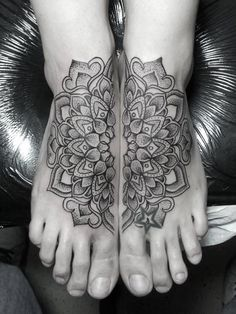 foot mandala tattoo I've been really wanting something like this lately.