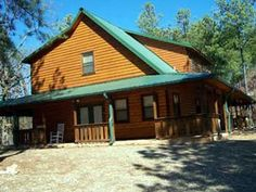 Breckoma Lodge Southern Hills Beavers Bend Resort Park   (High Luxury Cabin) offers 12 bed types Sleeps up to 20 people