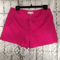 """Hot pink linen blend shorts A great addition to your summer wardrobe! 55% linen 45% cotton. Slightly faded but still plenty bright. 4 pockets. Has a tie at waist but not a drawstring - fully functional zipper. 16"""" across waist. 3"""" inseam. No tears or stains. Smoke free home. Price firm unless bundled. Banana Republic Shorts"""
