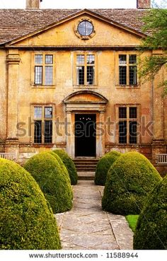 Google Image Result for http://image.shutterstock.com/display_pic_with_logo/55314/55314,1208347886,4/stock-photo-english-manor-house-11588944.jpg