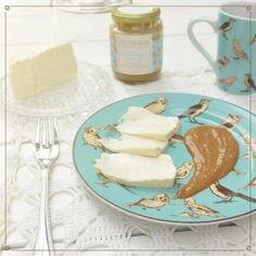 Queijo com pasta natural de castanha de caju