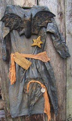 My Primitive Witcheswear Dress is a extreme primitive witch dress hanger ...epatternshoppes.com