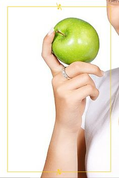 #Maternity Consigli: consumate molta verdura e frutta di stagione, ben lavata prima di utilizzarla. Nel primo trimestre di gravidanza le necessità caloriche salgono a 2650 (150 kcal in più rispetto a una donna in normopeso che non è in dolce attesa) e nel secondo e terzo trimestre a 2800.   #Dolceattesa #gravidanza #dieta #kcal #healthyfood