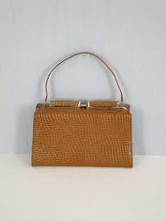 Vintage Purse / Vintage 1950s Handbag / Vintage Alligator Purse