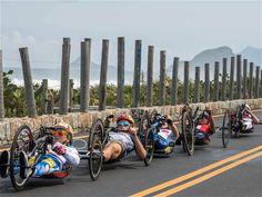 Thomas Lovelock / AFP Atletas de los Juegos Paralímpicos de Río compiten en la prueba de ciclismo de ruta femenin. de la semana sept