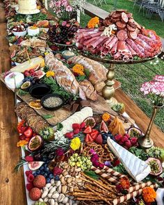 An epic charcuterie grazing table - Drool-Worthy Charcuterie Boards - Fingerfood Plateau Charcuterie, Charcuterie And Cheese Board, Cheese Boards, Party Food Platters, Cheese Platters, Food Buffet, Grazing Tables, Meat And Cheese, Cheese Spread