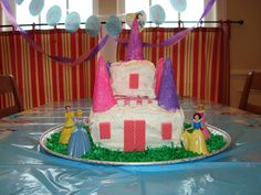 A #princess #birthday #cake...if I could make it, so can you!  More kids birthday #party ideas here:  http://www.milestonesandmiracles.com/celebrate-easy-birthday-parties-at-home/#