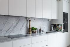 Birger Jarlsgatan 53 | Per Jansson fastighetsf�rmedling Kitchen Cabinets, Home Decor, Home, Decoration Home, Room Decor, Kitchen Cupboards, Interior Design, Home Interiors, Kitchen Shelves