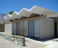 Steel Pre-Fab Houses / Donald Wexler Awesome #design! #steelhomes @kodiakhomes