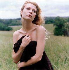 Vogue US (Aug. 1996) - Gwyneth Paltrow by Steven Meisel