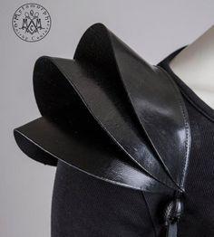 Fashion Shoulder pad - 3 D Black leather epaulet
