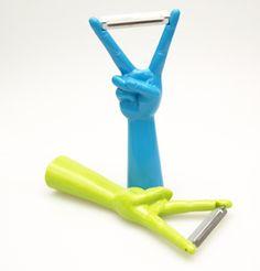 V-shaped peeler