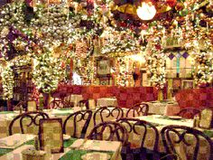 Rolf S Bar Restaurant Nyc At Christmas Wow The Ultimate Festive