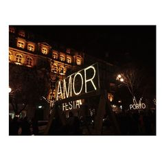 I found Love in Porto. 🌎🌙⭐️ #porto #iloveportugal #portugaltravelers #visitporto #dametravelworld #erasmuslife #amor❤ #igersportugal #fairylights